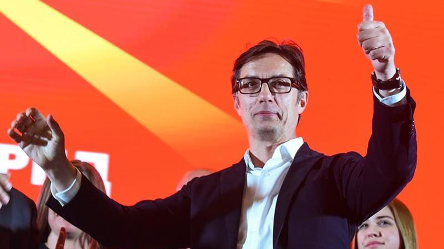 Socialdemócrata y conservadora acuden empatados a segunda vuelta en Macedonia