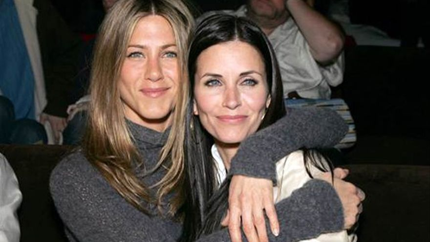 Courteney Cox pide respeto para Jennifer Aniston tras el divorcio de 'Brangelina'