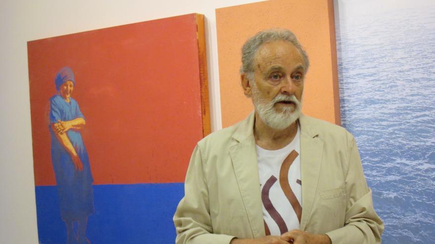 Facundo Fierro, este jueves, en la inauguración de la antológica. Foto: LUZ RODRÍGUEZ