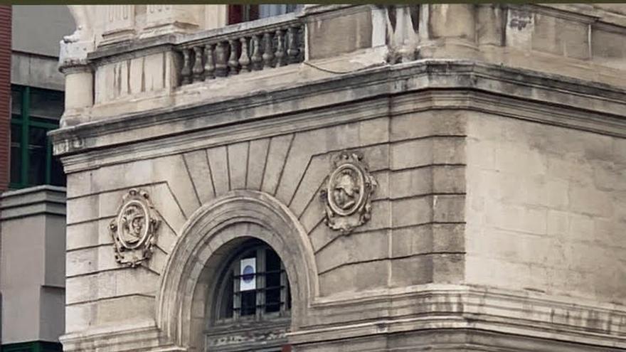 """PP exige a Aburto la """"retirada inmediata"""" de una estelada """"inconstitucional"""" aparecida en el Ayuntamiento"""
