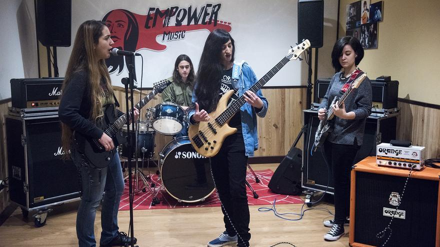 Integrantes de Neon Angels y Hércules Copenhague, los dos grupos que ya reciben formación en la incubadora de Empower Music. / Fernando Sánchez