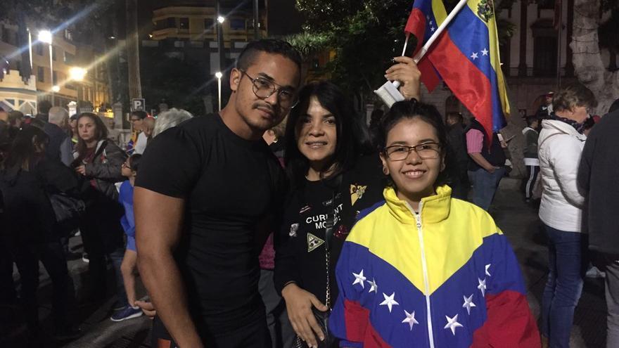 La diáspora venezolana en Gran Canaria celebra el golpe contra Nicolás Maduro.