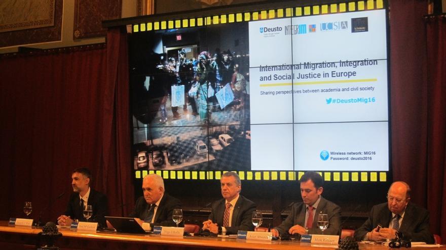 """Urkullu destaca que Euskadi es """"un país acogedor"""" con los refugiados y """"respetuoso"""" con la """"diversidad y pluralidad"""""""