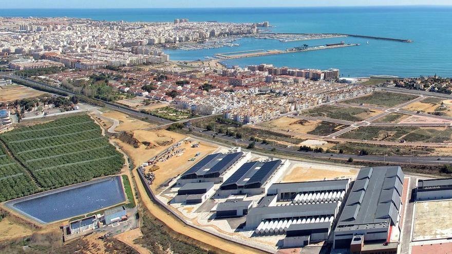 La desaladora de Acuamed en Torrevieja (Alicante).