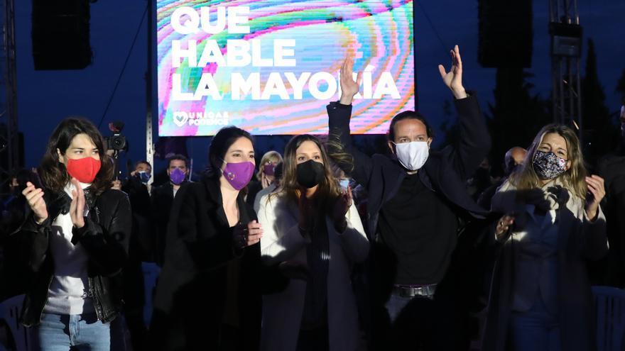 (I-D) La 'número 2' del partido para las elecciones a la Asamblea de Madrid, Isa Serra; la ministra de Igualdad, Irene Montero; la `número 4´ del partido para las elecciones a la Asamblea de Madrid, Alejandra Jacinto; el candidato de Unidas Podemos a la p