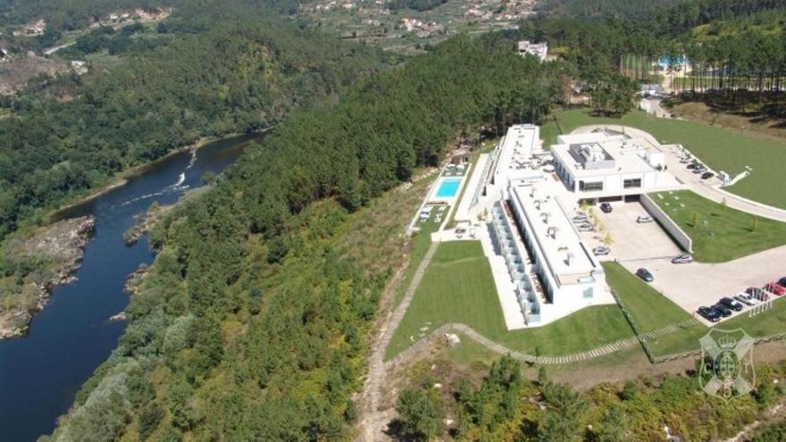 El Melgaço Sports Center está junto al río Miño