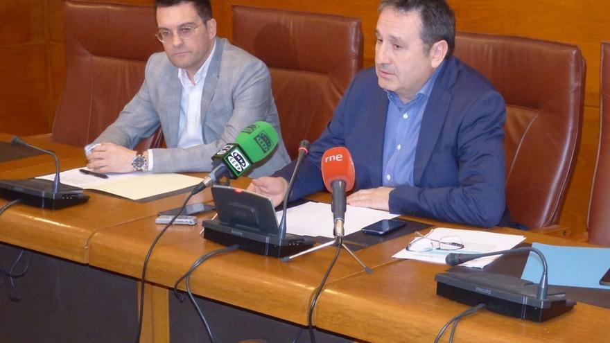 El acuerdo PRC, PSOE y Carrancio incluye reducir el sector público, mejorar colegios y ayudar a pymes