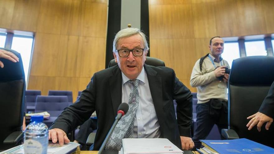 La CE da a Polonia un mes para rectificar sus reformas o iniciará sanciones