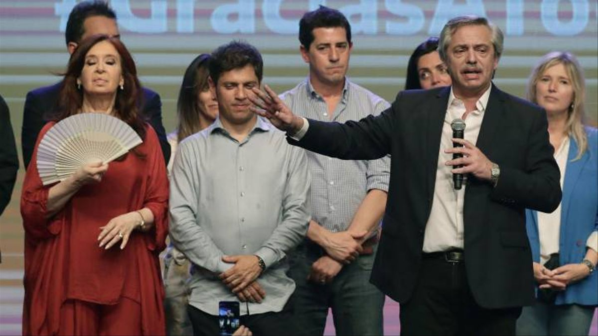 Alberto Fernández, Cristina Kirchner y Axel Kicillof en el búner de las generales del 2019