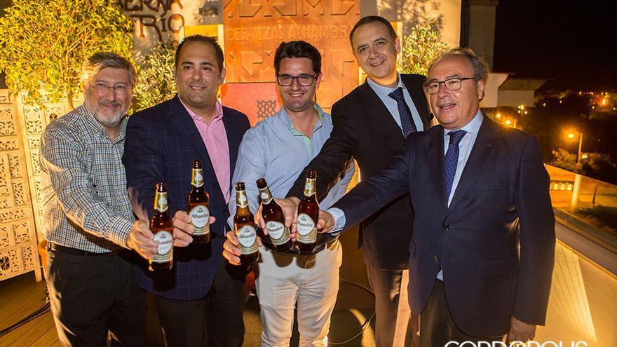 Acto de presentación de Cervezas Alhambra como patrocinador de Córdoba Califato Gourmet   MADERO CUBERO