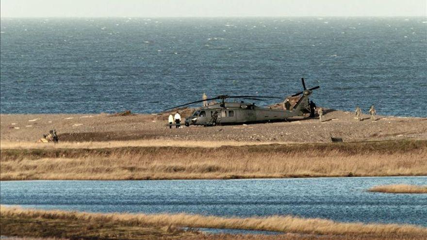 Retiran los cuerpos de la tripulación del helicóptero de EEUU estrellado en Reino Unido