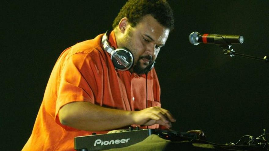 El DJ Carlos Jean.