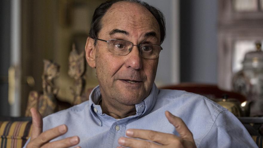 Alejo Vidal-Quadras en su domicilio durante la entrevista con eldiario.es