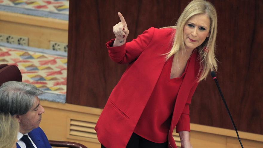 Cristina Cifuentes interviene en un pleno en la Asamblea de Madrid