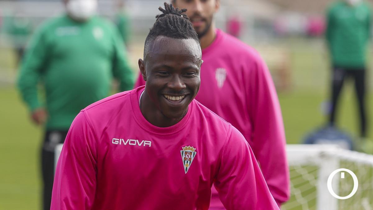 Moussa Sidibé, en su primer entrenamiento con el Córdoba.