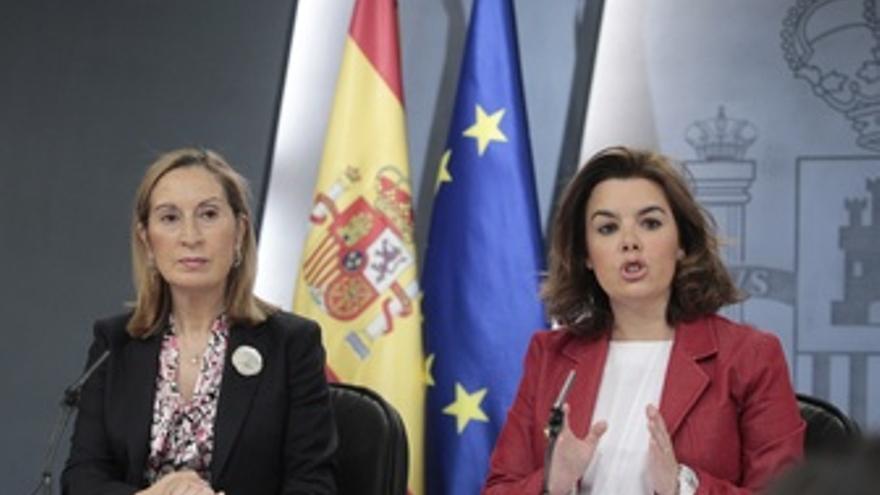 Ana Pastor Y Soraya Saénz De Santamaría