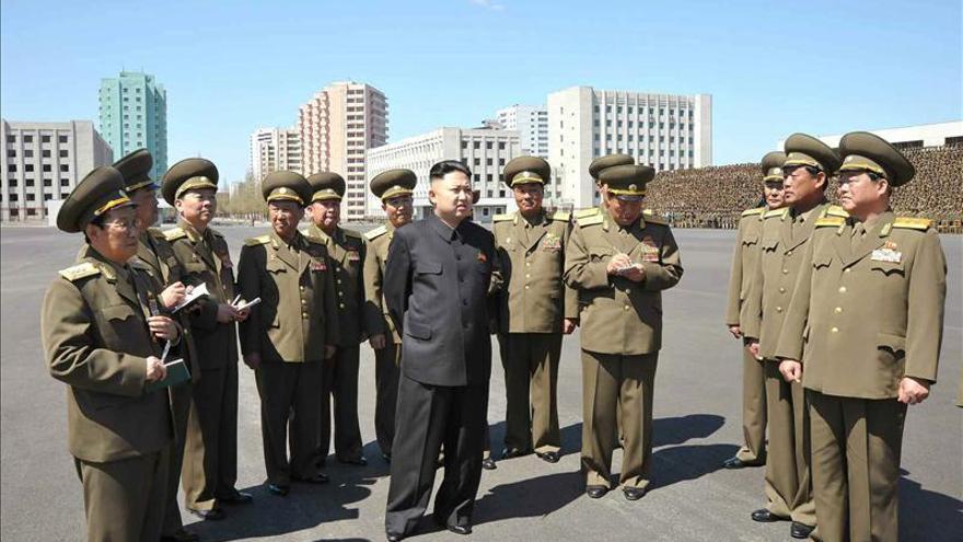 Corea del Norte condena a 15 años de trabajos forzados a un estadounidense