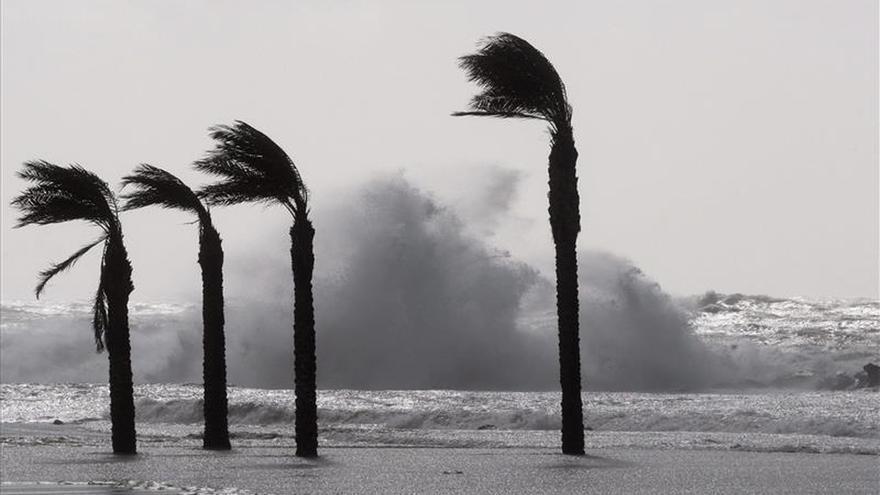 El mal tiempo mantiene en alerta a 18 provincias por lluvia, nieve o viento