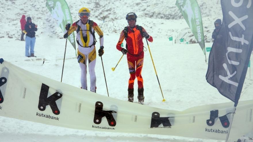 Wilfrid Jumère y Loic Thevin en el momento de cruzar la meta (© Santiago Yaniz Aramendia).