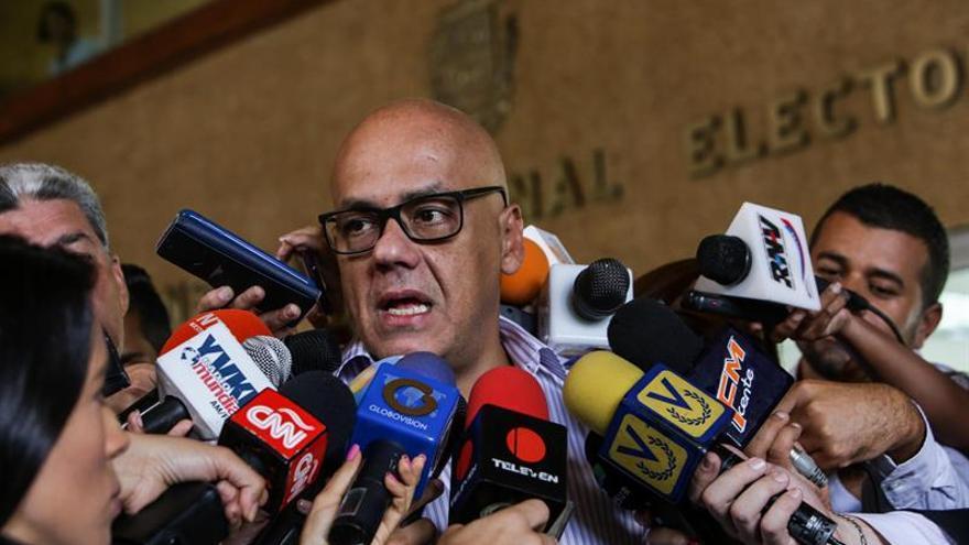 "Chavista acusa a Leopoldo López de romper su palabra al no ""llamar a la paz"""