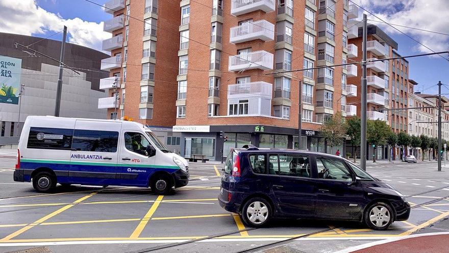 Una ambulancia, esta semana en el centro de Vitoria