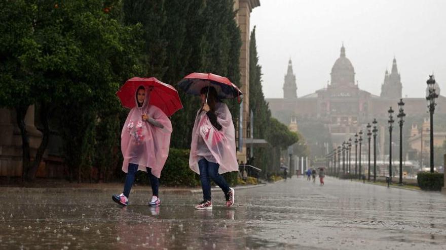 Doce provincias en alerta por temperaturas, lluvias y tormentas