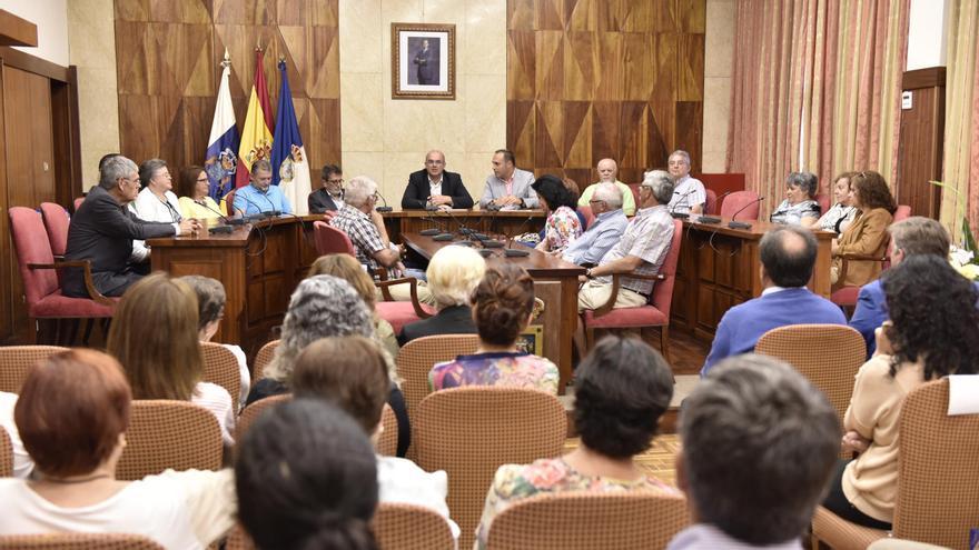 Acto de reconocimiento a antiguos trabajadores del Cabildo de La Palma.