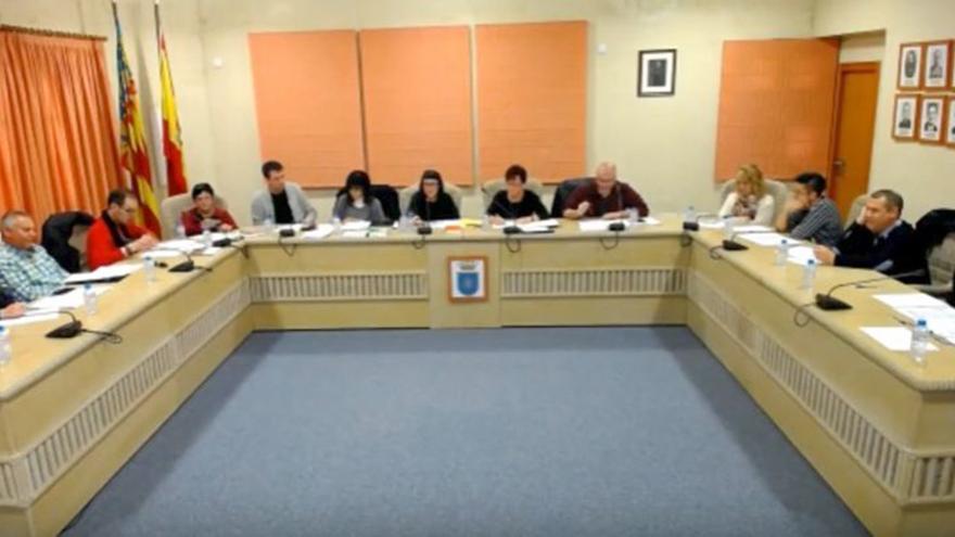 Imagen del pleno de Gata en marzo tras el que dimitió la edil socialista