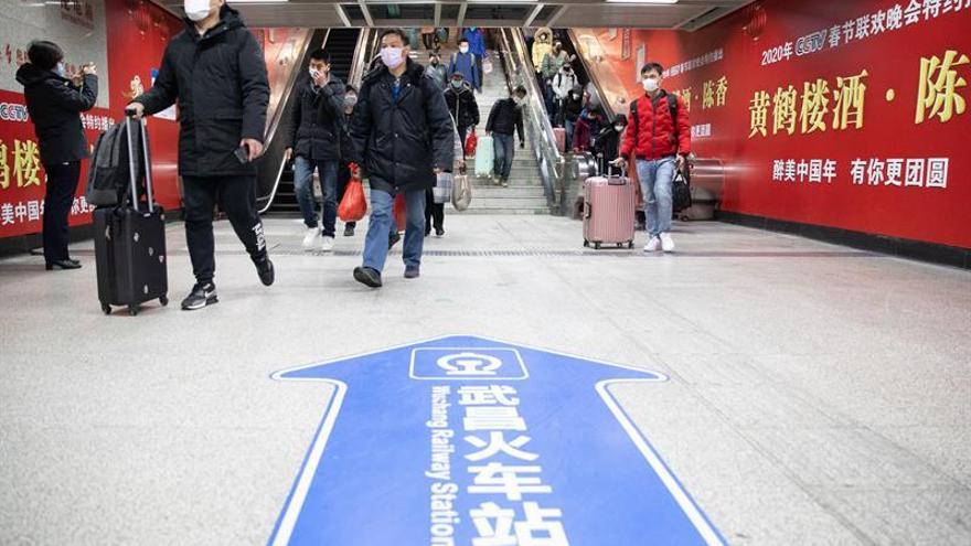 """China sigue registrando contagios """"importados"""", pese al veto a extranjeros."""