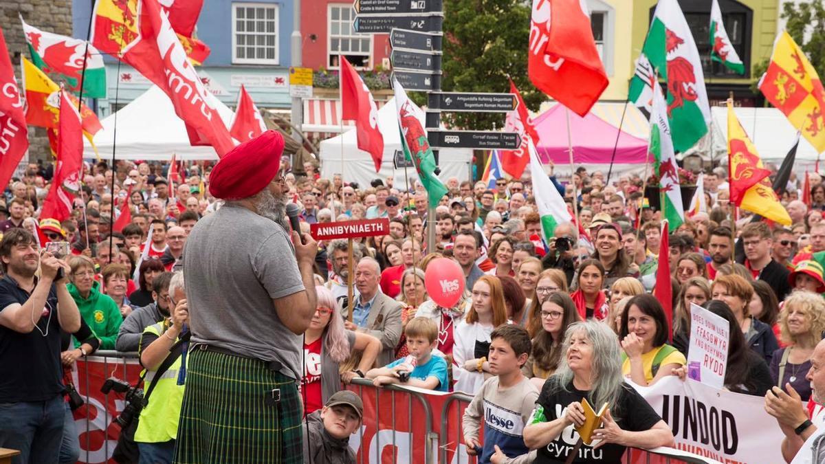 Manifestación de la organización YesCymru, por una Gales independiente.