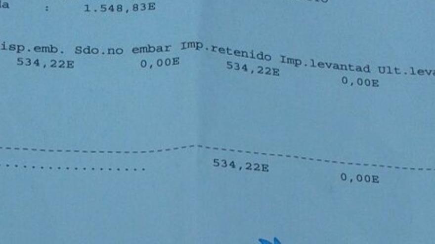 Un ejemplo de notificación del banco de embargo de una cantidad de 534 euros: correspondían a un subsidio por desempleo