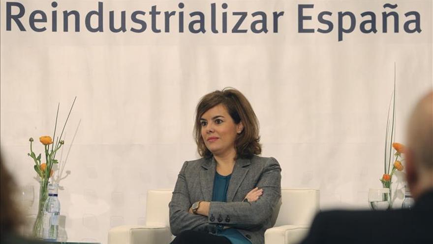 Sáenz de Santamaría acusa al PSOE que no tener ni idea de TVE
