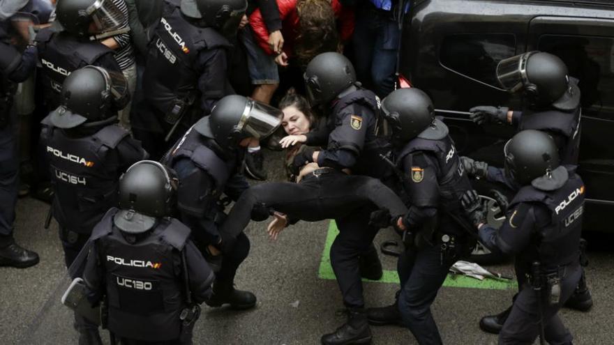 Violencia policial en Catalunya durante el 1-O