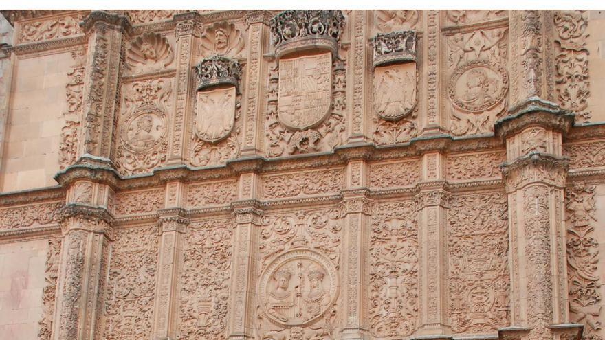 Fachada del edificio histórico de la Universidad de Salamanca.