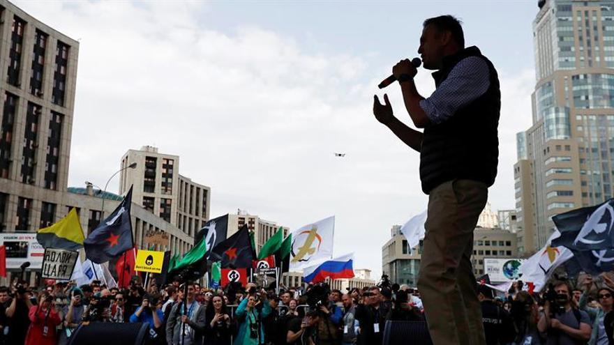 El opositor ruso Navalni liberado después de 30 días de detención