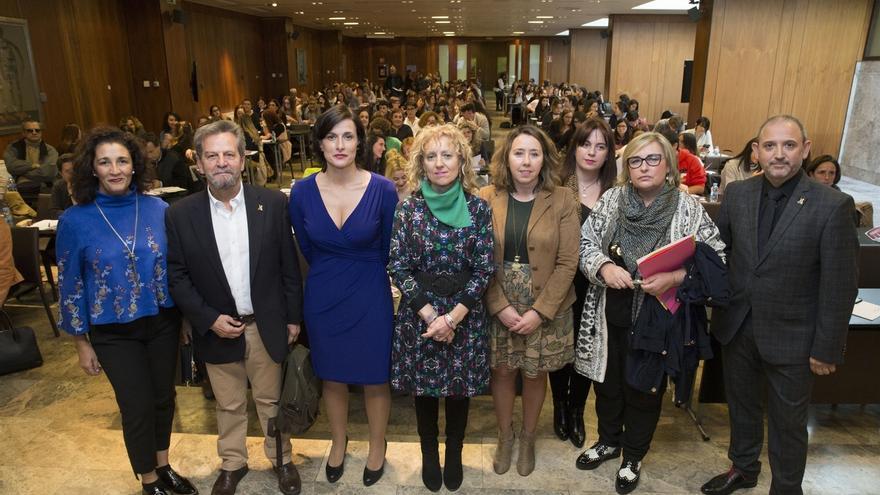 Tezanos llama a un cambio en el discurso social y la mirada sobre las mujeres y las víctimas de violencia machista