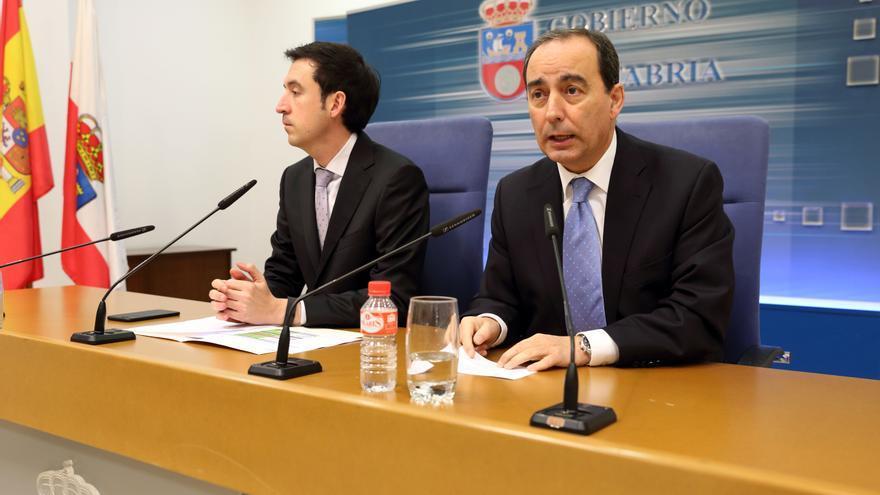 El consejero de Educación, Miguel Ángel Serna, durante una rueda de prensa.