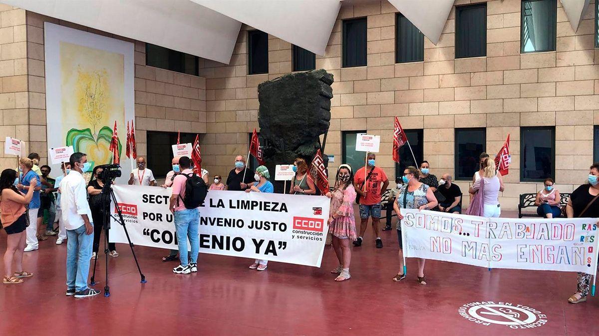 Protesta sindical por el convenio del sector de la limpieza.