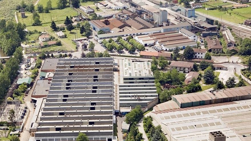 El Gobierno de Cantabria se implica en el plan de competitividad de la planta de Nissan en Los Corrales