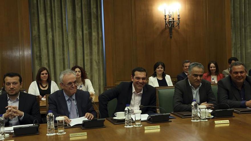Tsipras defiende el acuerdo con los acreedores y anuncia un plan estratégico del Gobierno
