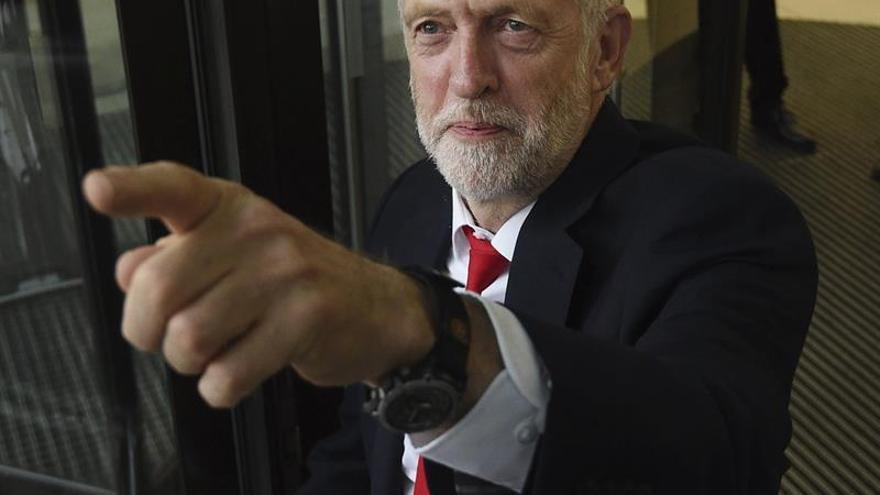 La oposición británica critica la propuesta de May para los comunitarios