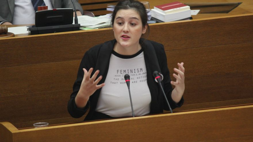 La diputada autonómica Cristina Cabedo durante una intervención en les Corts