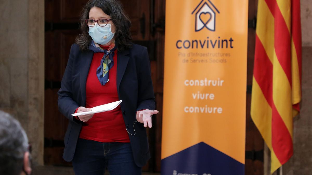 La vicepresidenta del Consell, Mónica Oltra, durante la presentación del 'Pla Convivint'.