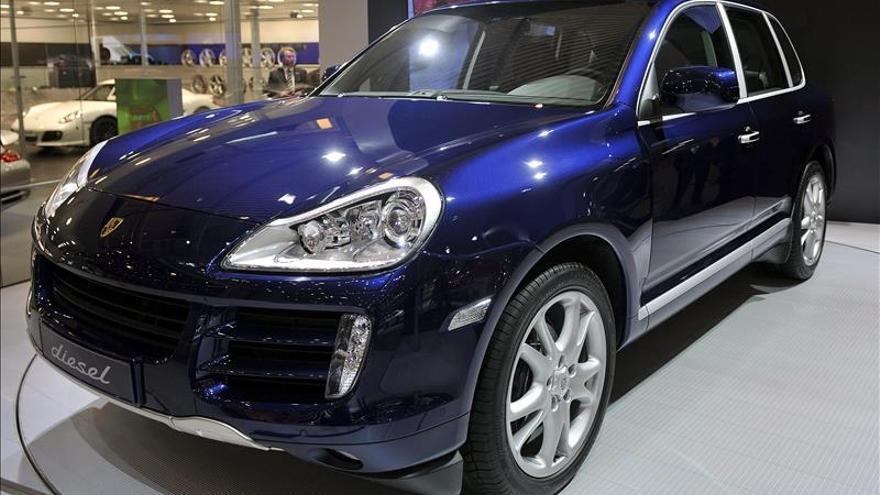 Porsche también trucó vehículos para ocultar sus emisiones, según EE.UU.