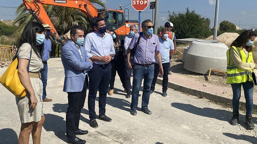 El alcalde de Lorquí junto al consejero de Agricultura este viernes