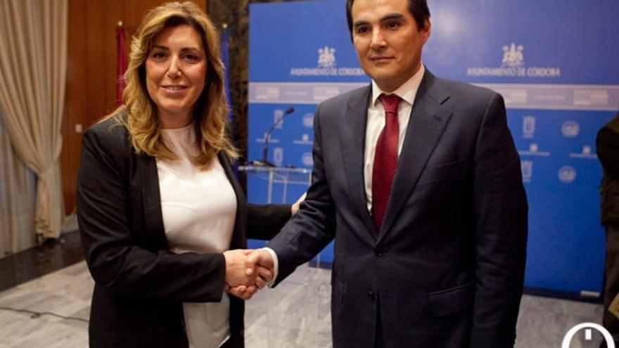 El alcalde, con la presidenta de la Junta, en una reciente visita institucional. | MADERO CUBERO