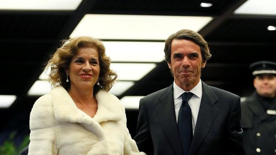 """Vargas Llosa: """"La palabra felicidad tiene nombre y apellido: Isabel Preysler"""