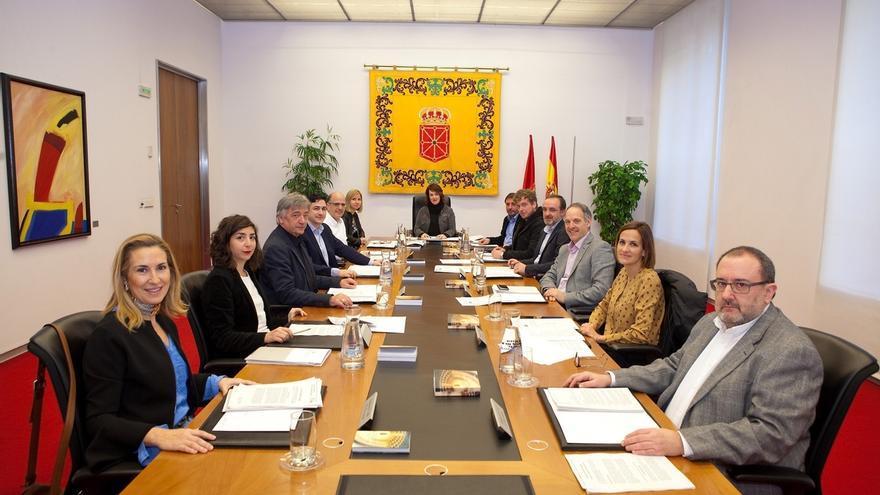 Parlamento navarro planteará hoy que Barkos valore la propuesta de Bildu de una República Confederal de Euskal Herria