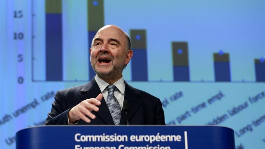 Moscovici pide una política fiscal común y un ministro de Finanzas para la eurozona