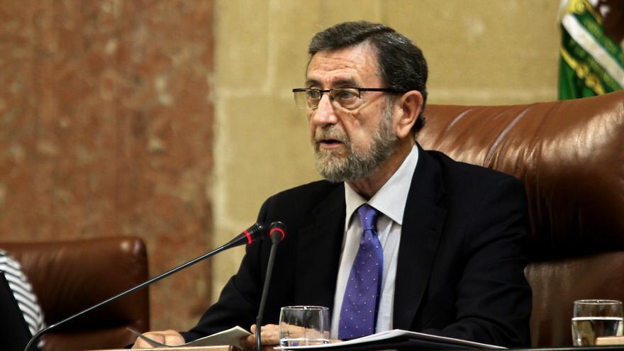 """Presidente Parlamento andaluz ordena """"suspensión inmediata"""" de subida de dietas y propone devolver el dinero cobrado"""